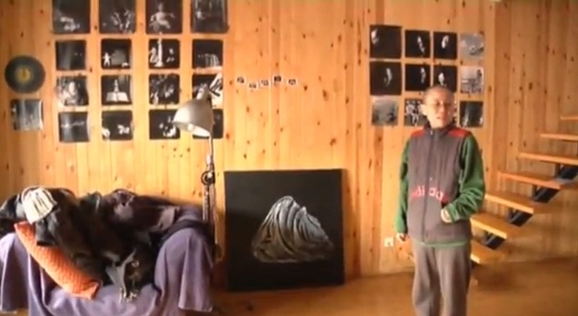 Liu Xia in her Beijing apartment, Associated Press interview, 12-6-12, screenshot.