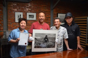 (L-R) Anna Lung, Yang Yankang, A. D. Coleman, ??, OCAT, Shenzhen, China, June 2, 2012. Photo by Jia Yuchuan.