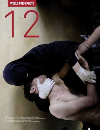 World Press Photo yearbook 2012, cover.