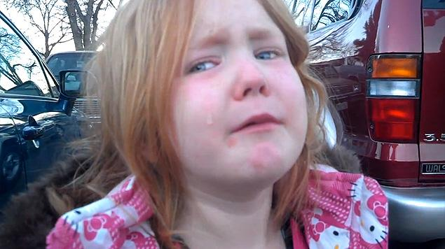 Abigael Evans crying, 10-30-12, YouTube, screenshot.