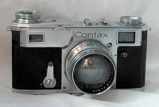 Contax II 35mm rangefinder camera with Carl Zeiss Jena 5 cm f/1.5 high-speed lens.