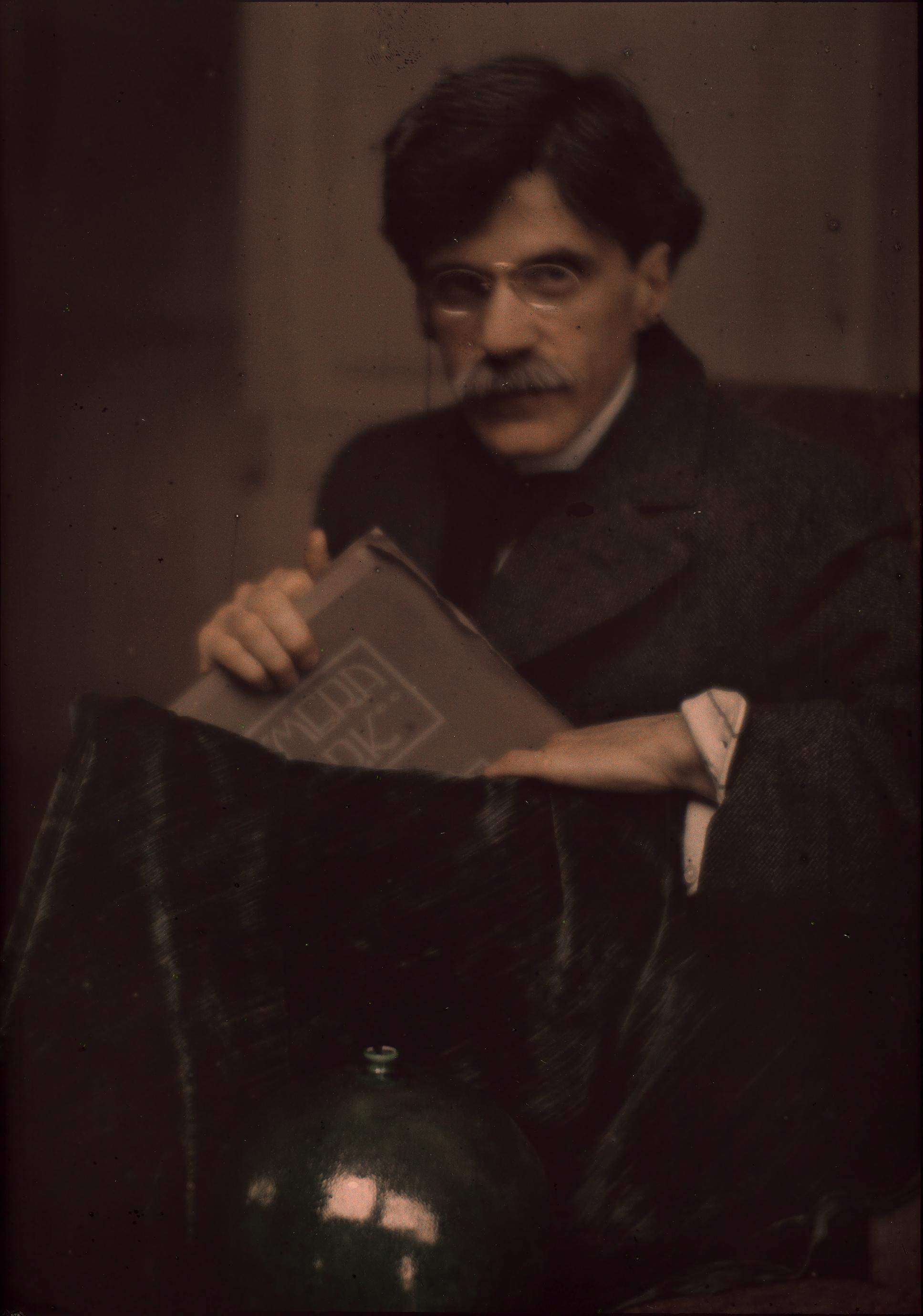 Edward Steichen, portrait of Alfred Stieglitz, 1907, Autochrome