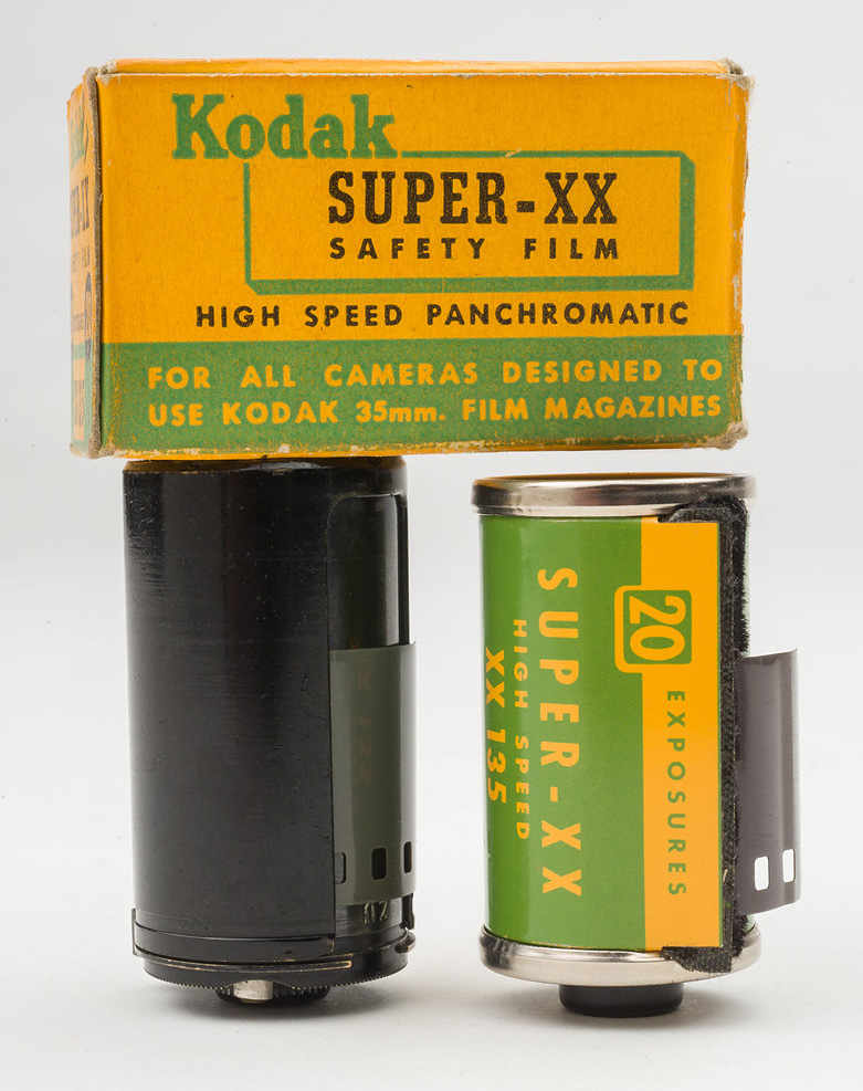 Zeiss Ikon cassette on left, Kodak Super-XX cassette on right. Note height difference. Photo © 2015 by Rob McElroy.